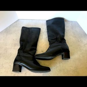 LAST CHANCE Santana leather black boots  lined
